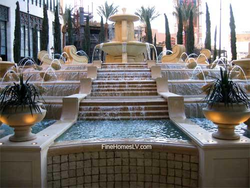 Palazzo Hotel Fountain