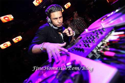 DJ Pauly D at RAIN