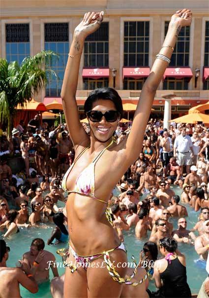 Jessica White In Bikini