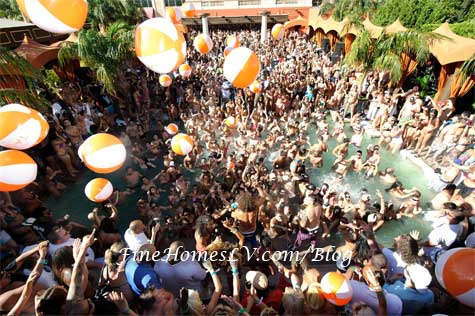 TAO Beach Crowd for Labor Day Weekend